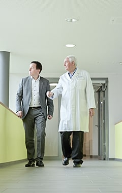 Volksbank Weinheim mit Gewerbekunde Dr. Peter Nunninger